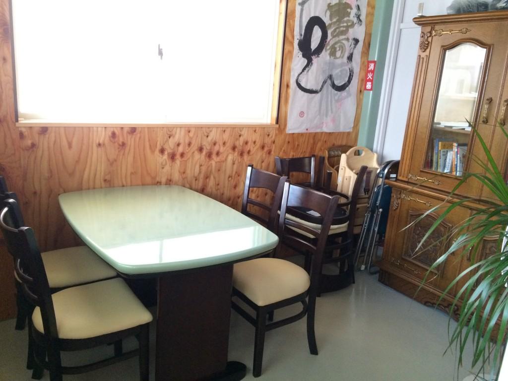 お好み焼きカフェカモノハシの店内の個室