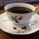 大倉陶園のカップでいただくコーヒー