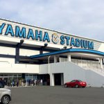 ヤマハスタジアムの正面ゲート横のチケット売り場に並ぶ