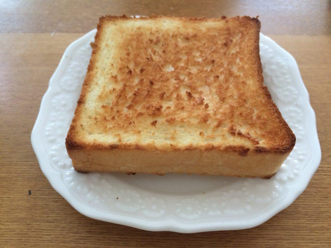 トーストした銀座に志かわ(にしかわ)のパン